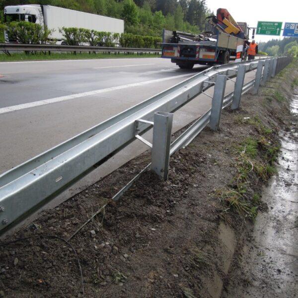 PAME-AUTO oprava svodidel dálnice